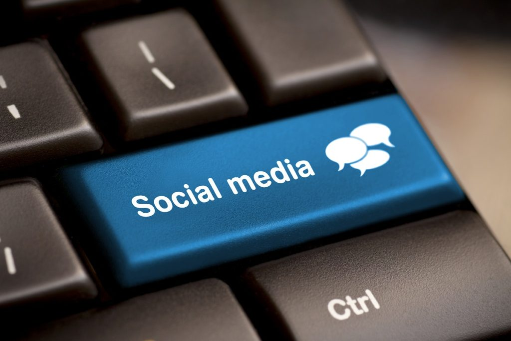 social media key on keyboard