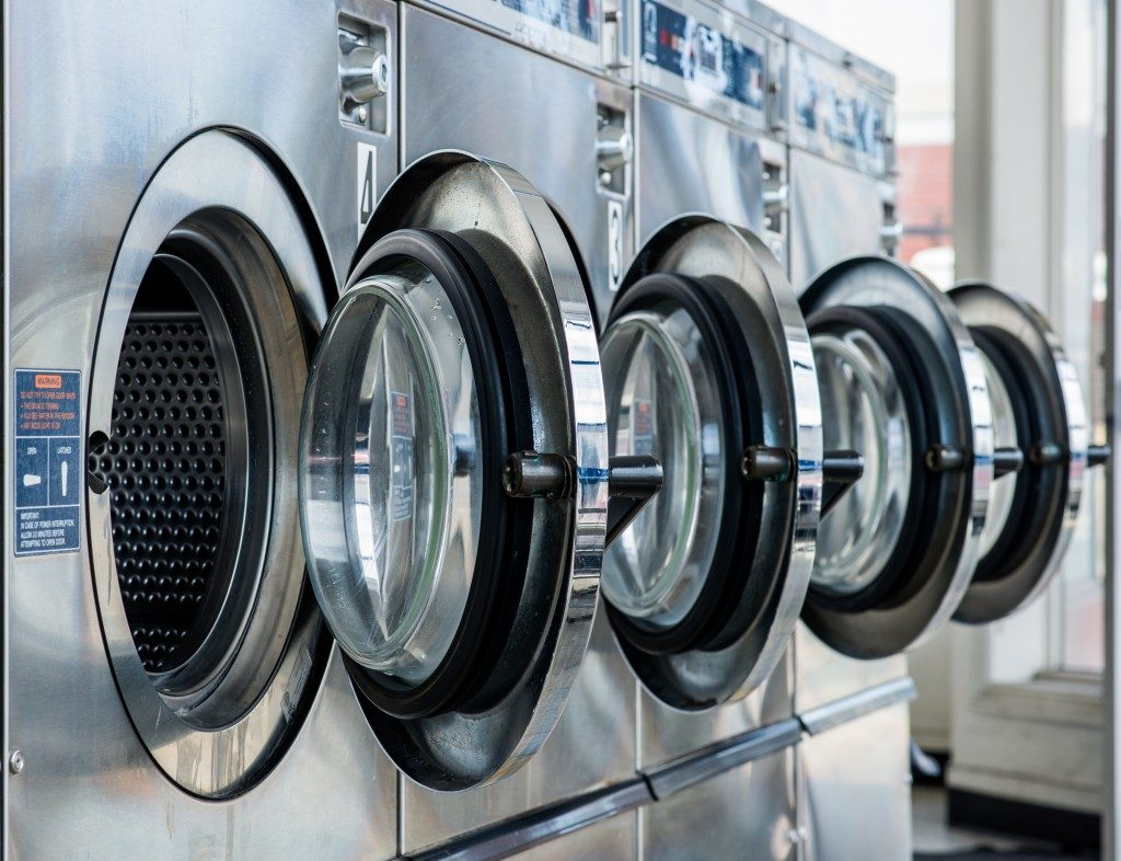 washing machines of a laundry shop